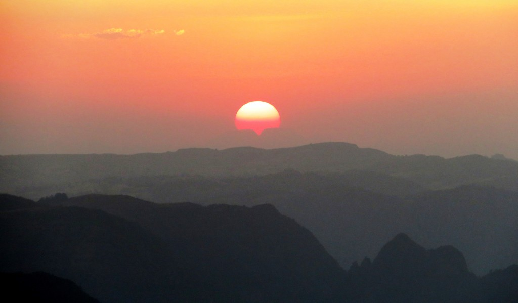 Bum-cheek Simien sunset